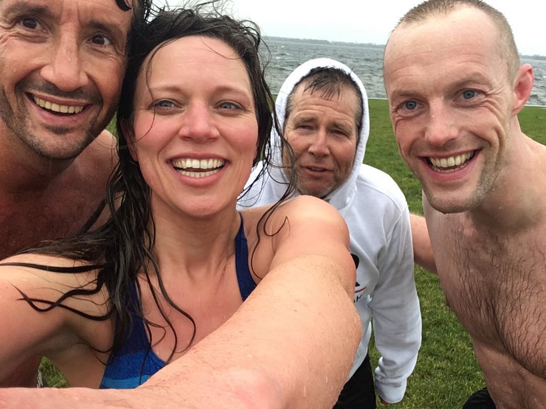 Koud water training radio veronica ijszwemmen Mischa Top Jan Joost